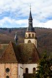 Alte mittelalterliche Abteikirche in Elsass Stockfoto
