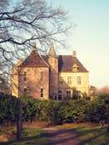 Alte mittelalterliche Steinfestung, Herbstblick durch das Tal, Stockbild