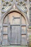 Alte mittelalterliche Tür Lizenzfreie Stockfotos