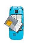 Alte Mobiltelefon-Rückseite mit Batterie. Stockbilder