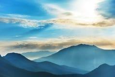 Alte montagne blu Fotografia Stock Libera da Diritti
