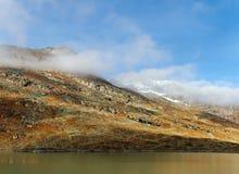 Alte montagne delle alpi. Immagini Stock Libere da Diritti