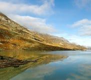 Alte montagne delle alpi fra l'Italia e la Svizzera. Fotografia Stock Libera da Diritti