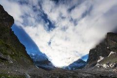 Alte montagne di Caucaso Fotografia Stock