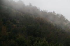 Alte montagne e nuvole, paesaggio della natura Fotografie Stock