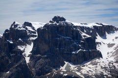 Alte montagne e pareti ripide nelle dolomia/gruppo di Sella nelle dolomia Fotografie Stock Libere da Diritti