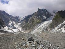 Alte montagne nel complesso di Blanc del supporto, Val Veny, alpi Mounta Fotografie Stock Libere da Diritti