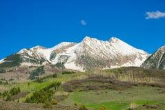 Alte Montagne Rocciose Fotografia Stock Libera da Diritti