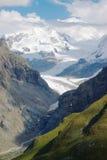 Alte montagne rocciose Fotografia Stock