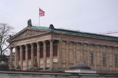 Alte Nationalgalerie/gammal National Gallery i Berlin, Tyskland royaltyfri foto