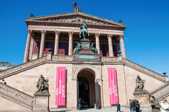 Alte Nationalgalerie in Museumsinsel in Berlijn Stock Afbeelding