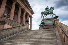 Alte Nationalgalerie på Museumsinsel i Berlin Arkivbild