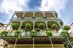 Alte New- Orleanshäuser auf französisch stockfotos