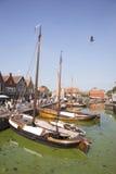 Alte niederländische Segelschiffe im Hafen von Spakenburg Stockfotografie