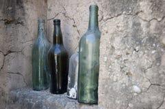 Alte offene Flaschen Lizenzfreies Stockfoto