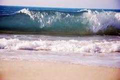 Alte onde sul litorale del nord dell'Egitto Fotografie Stock Libere da Diritti