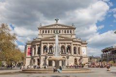 Alte Oper in de Leiding van Frankfurt Stock Afbeelding