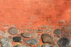 Alte orange Backsteinmauer stockbild