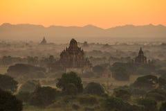Alte Pagode in Bagan bei Sonnenaufgang, Myanmar Stockfoto