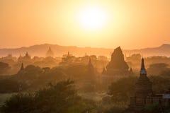 Alte Pagode in Bagan bei Sonnenuntergang, Myanmar Stockfotos