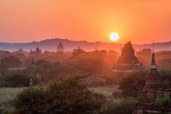 Alte Pagode in Bagan bei Sonnenuntergang, Myanmar Lizenzfreies Stockfoto