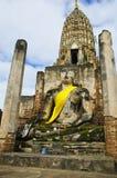 Alte Pagode und Buddha in Thailand lizenzfreie stockfotografie