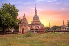Alte Pagoden in der Landschaft von Bagan auf Myanmar Stockbilder