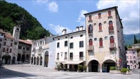 - Alte Paläste in der Stadt von Vittori Venetien stock video footage