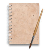 Alte Papiere des Notizbuches mit Lackpinsel Lizenzfreie Stockbilder