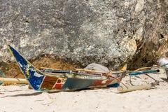 Alte philippinische Fischer ` s Pumpenboote lizenzfreies stockfoto