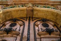 Alte Postkarte der Fassade mit Architekturdetails Timisoara, ROM Lizenzfreie Stockfotos