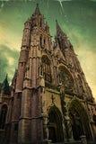 Alte Postkarte mit Peter und Paul Cathedral in Ostende, Belgien Stockfotos