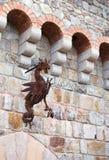 Alte Querstation der alten rostigen Metalldracheskulpturergebnis-Kunstfertigkeit Lizenzfreie Stockfotografie