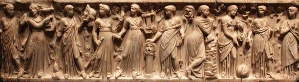 Alte römische geschnitzte Schatulle lizenzfreie stockbilder