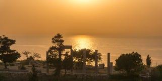 Alte römische Ruinen bei Sonnenuntergang im Libanon stockfoto