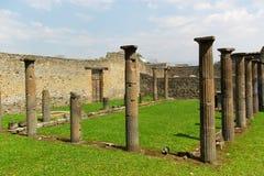 Alte römische Spalten Stockfotografie