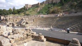Alte römische Theaterwannenansicht in Màlaga-Stadt stock video footage