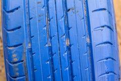 Alte Reifen blau Stockfotos