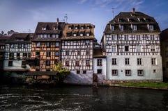 Alte Reihenhäuser in Petite France -Bezirk in Strassburg, Elsass lizenzfreie stockbilder