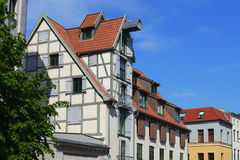 Alte Reihenhäuser in Rostock Stockfotos