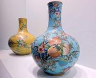 Alte Rippenstücke emaillieren Vase stockfoto