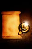 Alte Rolle und Kerze Lizenzfreies Stockbild