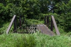 Alte rostige Brücke Stockbilder