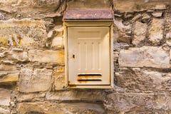 Alte rostige Mailbox Lizenzfreie Stockfotografie