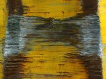 Alte rostige Metallbeschaffenheit gemalt mit den gelben Schmerz stockbild