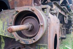 Alte rostige Züge Alte verlassene Bahn, versehend mit schmutzigem altem tra mit Seiten Lizenzfreie Stockfotos