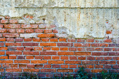 Alte rot-orange Backsteinmauer 2 Stockbild