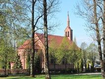 Alte rote Kirche, Litauen Lizenzfreies Stockfoto