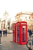 Alte rote Telefonzellen in Edinburgh, Schottland Stockbilder