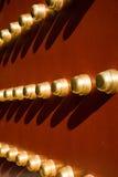 Alte rote Tempeltür Stockfotografie